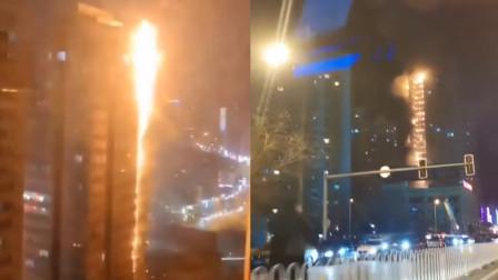 沈阳居民楼突发大火 官方:消防通道被堵 未能在初期阶段控制火情