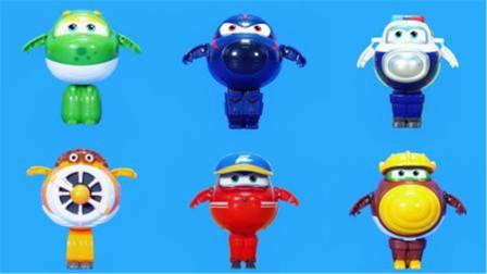 超级飞侠的新成员变形机器人玩具蛋