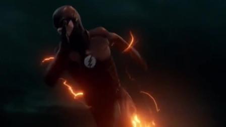 明明我才是闪电侠,为什么每一部电影里都有比我快的人!
