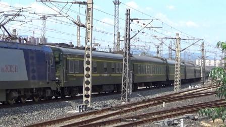 襄渝线 HXD3C牵引K1157次 晚点2小时发车