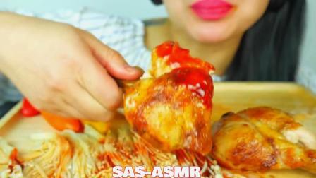 吃播微笑姐,吃烤鸡和金针菇,蘸着辣椒酱吃好过瘾