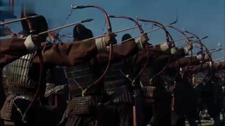 《赤壁》:吴军的盾牌挪开,露出一排诸葛连弩,魏军骑兵瞬间损失惨重