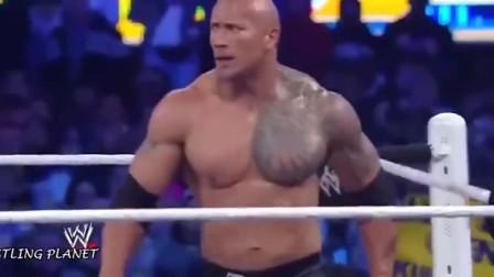 WWE:两大正义猛男之战,强森VS塞纳,观众沸腾了!