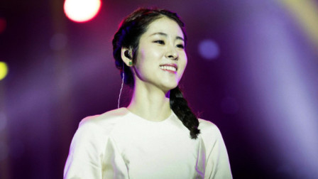 张碧晨深情演唱经典歌曲《我可以忘记你》,唱的深入人心,太动听