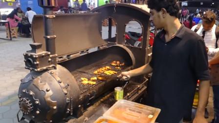印度街头,鸡肉烧烤,还是离不开咖喱调料