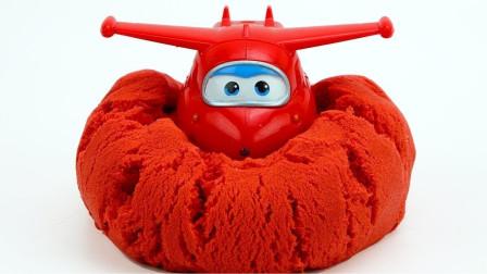 超级飞侠玩具视频:超级飞侠乐迪怎么被埋在沙堆里?其他人呢