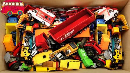 哇塞!左左龙姐姐带来的工程车你都认识哪些?趣味玩具故事