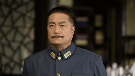 爱国将领在美国遭歧视,他在胸口挂木牌,写着:我是一个中国人!