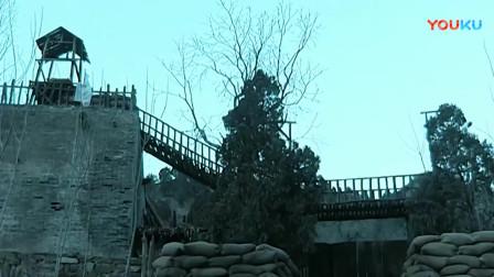 《亮剑》李云龙去给魏和尚报仇,不料谢宝庆不开寨门,李云龙直接命令冲进去!