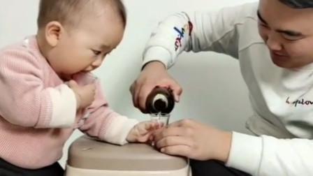 搞笑视频第2期:爸爸用这个方法,儿子从此爱上吃饭!