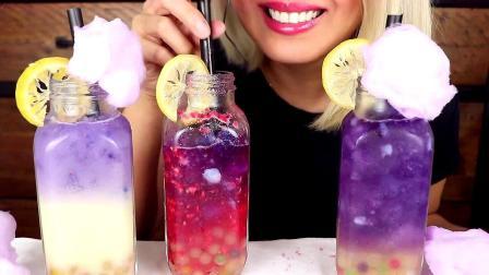 小姐姐喝的这杯饮料是什么口味的呢?反正看颜值是非常吸引人啦