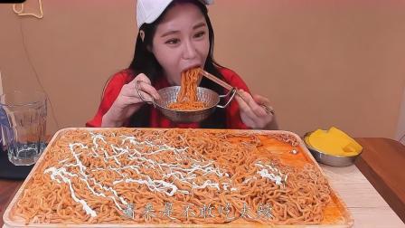 韩国大胃王吃播套路多,满满一盘只有两包,网友识破超尴尬!