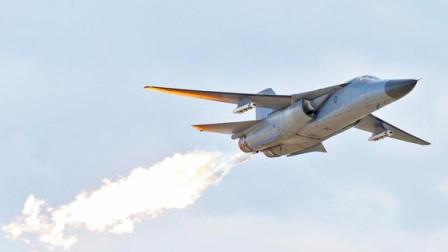 F-111战斗轰炸机,起飞瞬间尾部着火,惊险的一幕极其罕见!