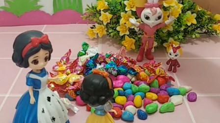 小雪儿想吃糖果,彩虹要把糖果送给她,小彩虹会同意吗?