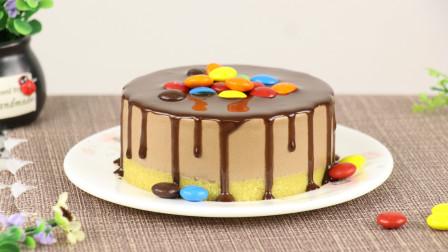 满满诱惑力的Ins风巧克力慕斯,比做戚风蛋糕还容易,吃起来还不腻