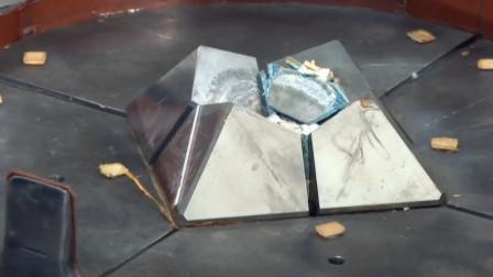 钻石是由碳组成的,那能把碳做成钻石吗?世界上还真有这种机器