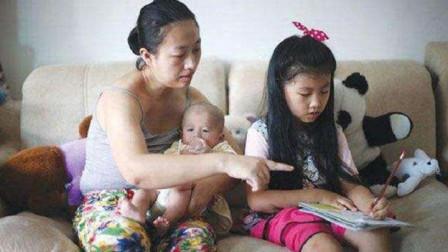 生下二胎后,父母要学会对大宝做这3件事,将来他会感谢你的