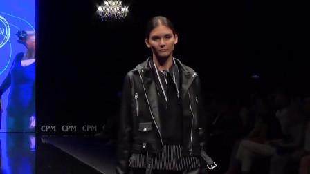 巴黎时装周模特走秀,欧美模特都很敬业