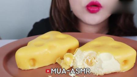 吃货小姐姐:吃播芝士蛋糕,口感非常香醇细腻!