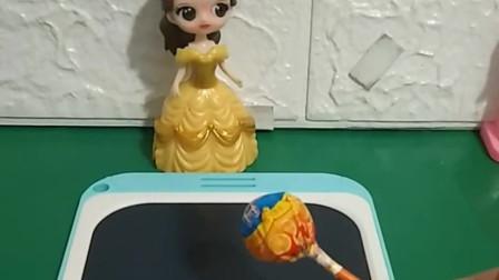 贝儿最喜欢吃棒棒糖啦,她用魔法变出了一个棒棒糖,你们想要这样的魔法吗?