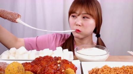 拉丝警告!火遍日韩的街头小吃,甜腻的芝士热狗,在家就能做!