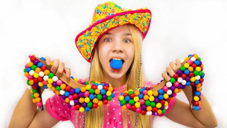 萌宝儿童玩具早教故事:小萝莉的鞋子怎么上面都是糖果,这也太奇葩了吧!