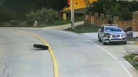 监控拍下的,皮卡车被2只轮胎砸中,司机愣了!