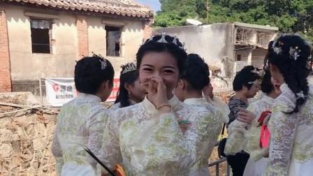 老表结婚了,没想到和新娘一起来的伴娘这么漂亮,我打算找她要个联系方式了!