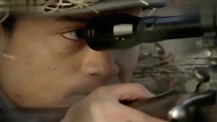 雪豹:亮光一闪而过,狙击手感觉不对劲