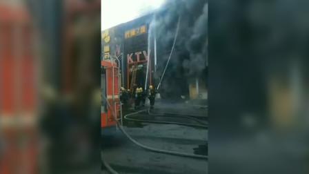 内蒙古自治区通辽市中心大街一家KTV突发大火