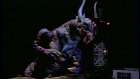 20米高的变异怪兽,入侵地球后疯狂攻击人类,开始为所欲为