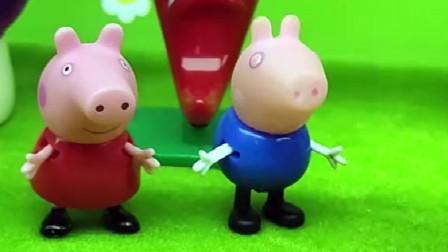 猪妈妈给乔治吃好吃的,给佩奇就吃草,小朋友都看着太过分了