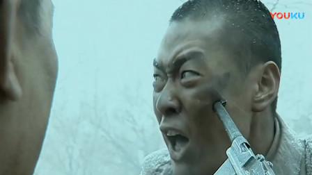 《亮剑》李云龙战场犯病要放弃自己,没想到和尚这边同意,那边直接打晕团长扛着就走!