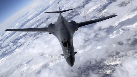 超音速战轰抵达沙特,可携24枚空射核导弹,一架即可灭掉伊朗