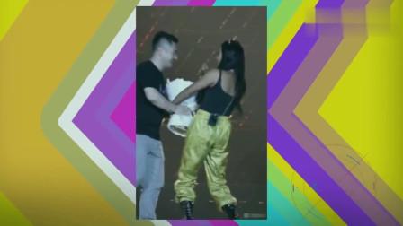 吉克隽逸在台上险遭男粉丝强吻?本人发文回应