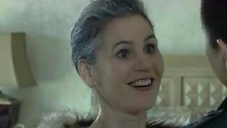 医生说美国富婆只剩半年命,谁料和穷小伙谈恋爱后,发生了奇迹!