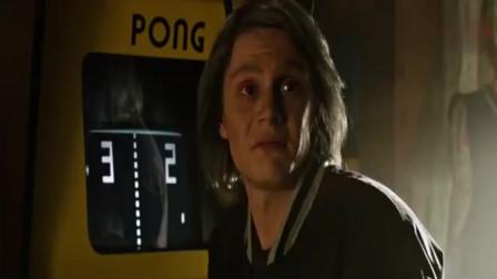 X战警:金刚狼展示爪子,皮特:挺酷就是有点恶心
