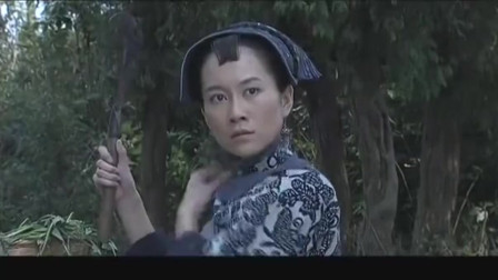 边城汉子:寡妇深林解衣擦汗,猥琐男终于得手了!