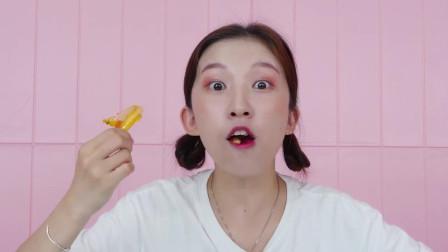 大牙和小猪佩奇一起吃美味的鳗鱼肠,太好吃啦!