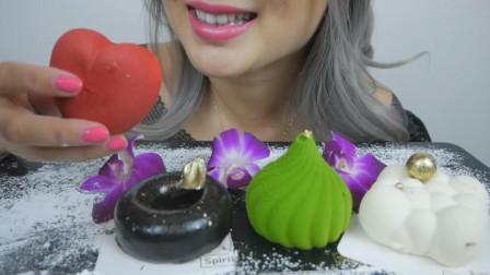 美女吃流行慕斯蛋糕,口感柔软回味无穷,网友:颜值真高!