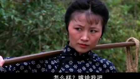 唐山五虎:混混们不怀好意,不料寡妇是个高手,这下惨了!