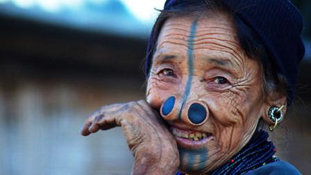 """印度最""""苦""""的两种女人,一种是""""嫁""""给寺庙,另一种长着牛鼻子"""