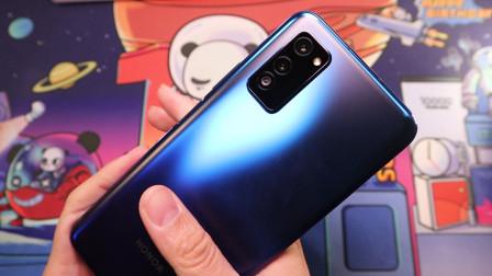 荣耀V30视频测试:对比iPhone 11,画质和稳定性哪个更强?