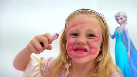 萌娃小可爱和朋友比赛化妆!小家伙真是调皮呀!萌娃:我是一只小花猫!