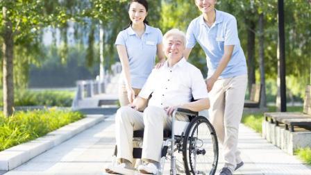 未来一个孩子养4个老人?欧洲小国74岁才退休,我们要靠啥养老?