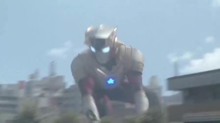 泰迦奥特曼利用爆雷闪电光戒的力量来电怪兽