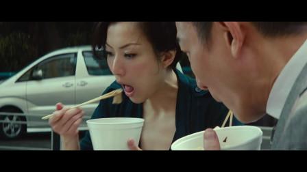 盲探:香港其记臭肠真是一绝,刘德华办案还不忘来一碗,吃得太香了