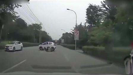 监控:女司机起步急掉头,出事故后的举动实在令人可气