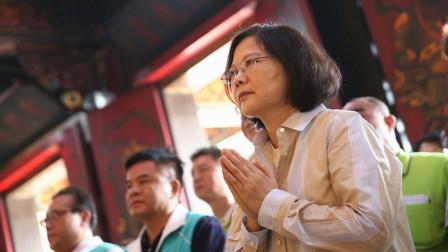 蔡英文竞选四成都在拜庙,韩竞选办发言人:这是滥用行政资源