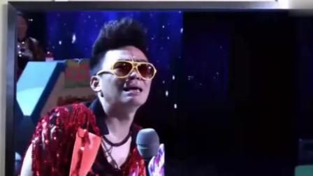 """王宝强离婚,登台一首原唱歌曲""""太感人了""""!"""